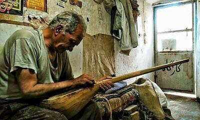 مهارت ساختن و نواختن دوتار ایرانی جهانی شد
