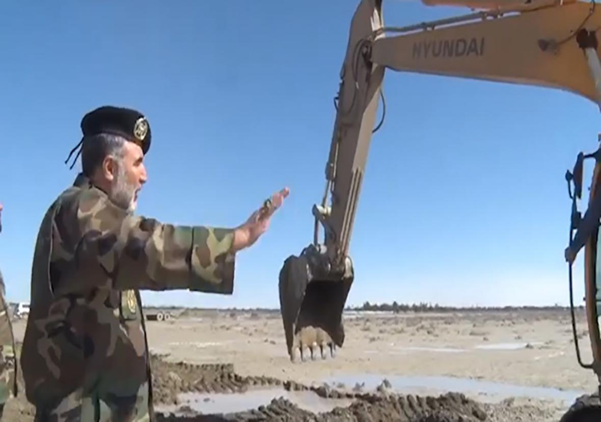 تشریح فعالیت های نیروی زمینی ارتش در مناطق سیل زده استان سیستان و بلوچستان