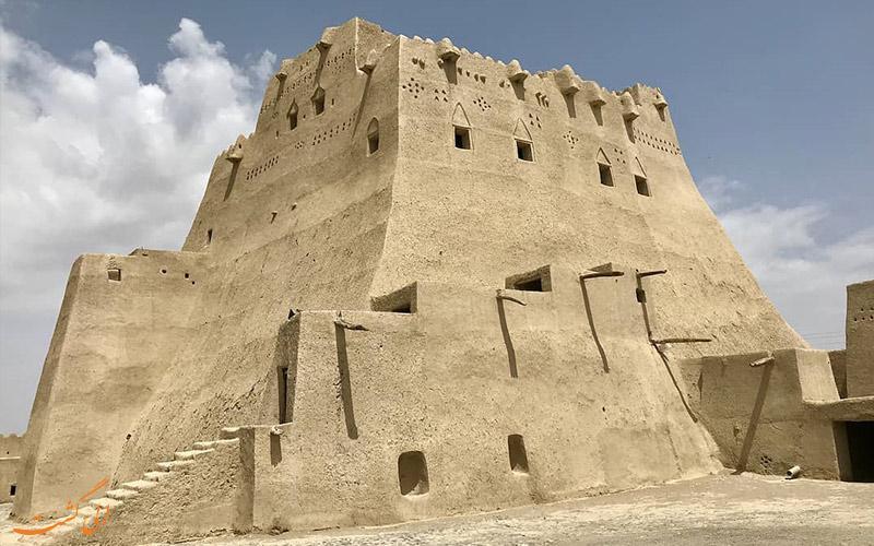 قلعه سیب سراوان، بلندترین بنای خشتی ایران