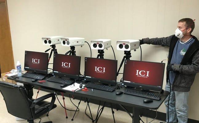 آمازون برای سنجش تب کارکنان از دوربین حرارتی استفاده می کند