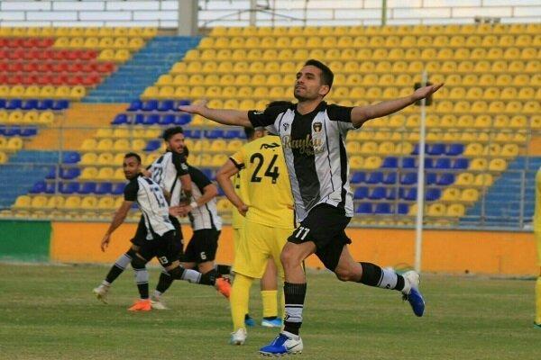 رقابت فشرده بین 10 تیم با حداقل امتیاز در لیگ دسته اول فوتبال